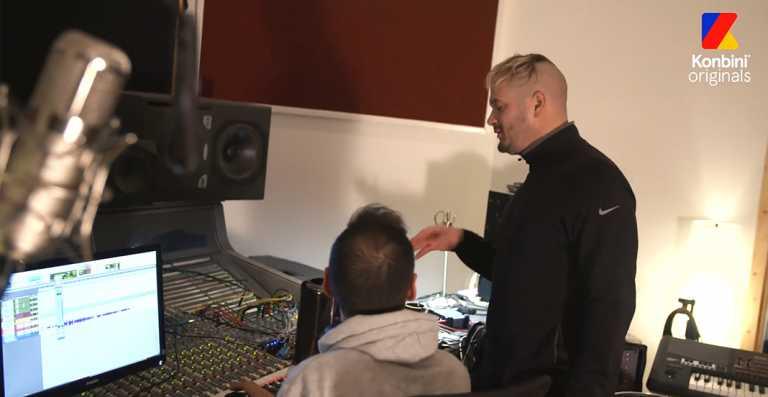 Un reportage perce le secret de Jul en le suivant au studio ! (Vidéo)