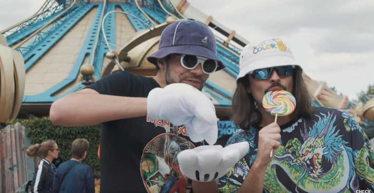 Lorenzo et son pote Rico retournent Disneyland ! (Vidéo)