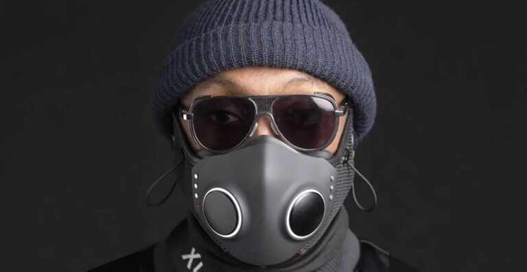 Will.i.am présente le XUPERMASK, masque anti-COVID du futur ! (Vidéo)