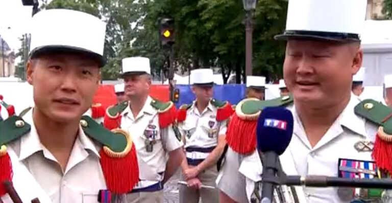 2 soldats français reprennent un morceau de La Fouine en direct ! (Vidéo)